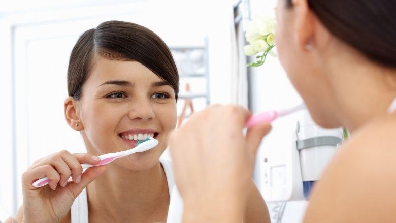La majorité des dentifrices ne protègent pas suffisamment les dents